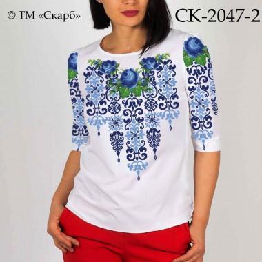 """Заготовка жіночої блузки під вишивку """"Сині троянди в орнаменті"""" (варіант 2)"""